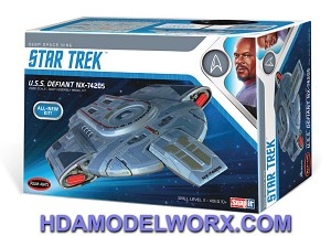Star Trek Deep Space Nine USS Defiant NX-74205 1:1000 Scale Model Kit